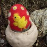 Plstěné vajíčko kuřátko a sedmikrásky na objednávku