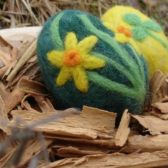 Vajíčko zelené, narcisky