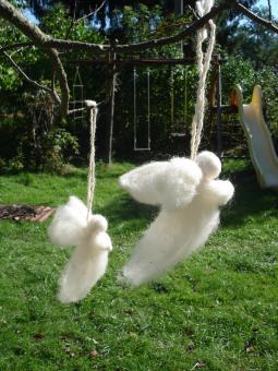 Andělíček z ovčí vlny